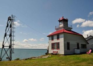 bruce-bay-cottages-lighthouse-photo6