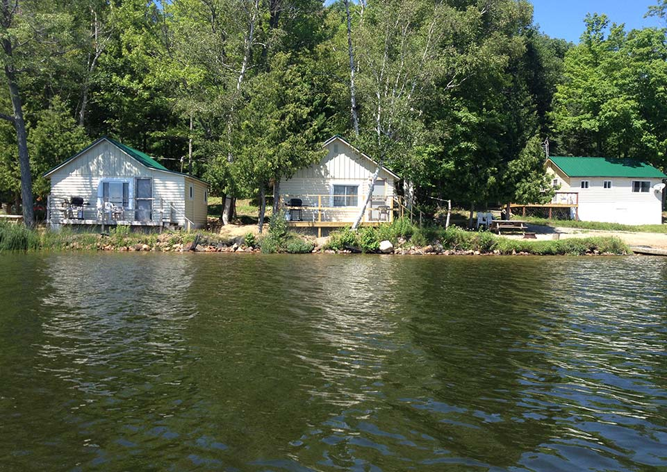 Cottage resorts in algoma northern ontario canada for Ontario drive in fishing lodges