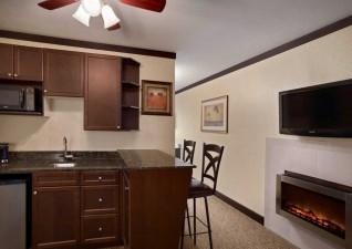 days-inn-suites-ssm-photo4