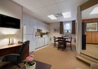 days-inn-suites-ssm-photo5
