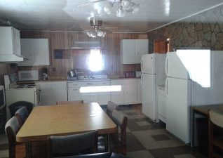 ernies-cottages-campground-photo1