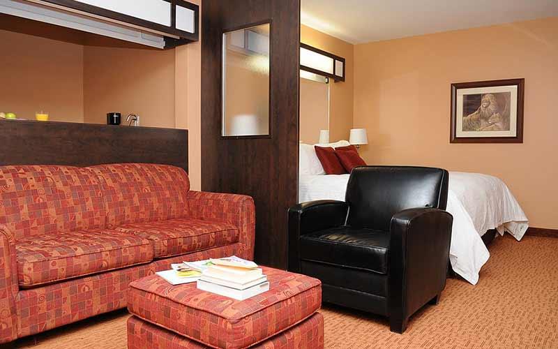 hearst-villa-inn-suites