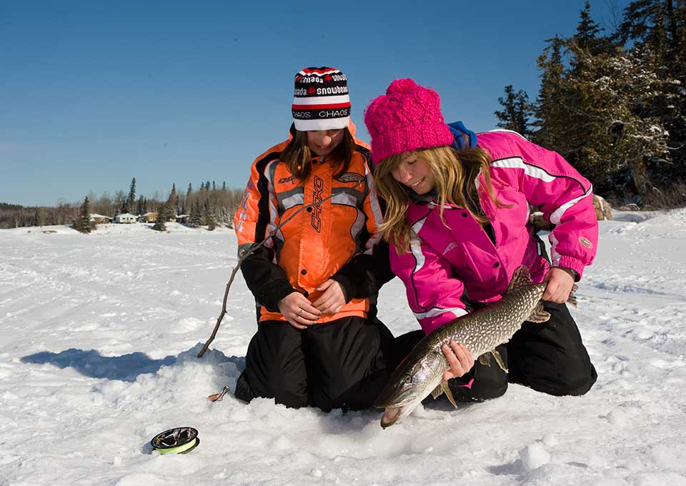 Ice fishing in northern ontario algoma for Ice fishing deals