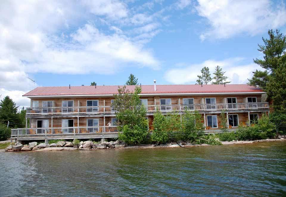 Lake And Bay Boats >> Laurentian Lodge | Algoma, Northern Ontario