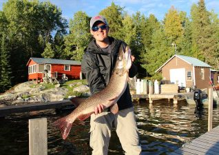 northern-walleye-lodge-photo3