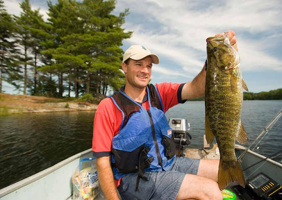 Smallmouth bass fishing northern ontario canada for Smallmouth bass fishing