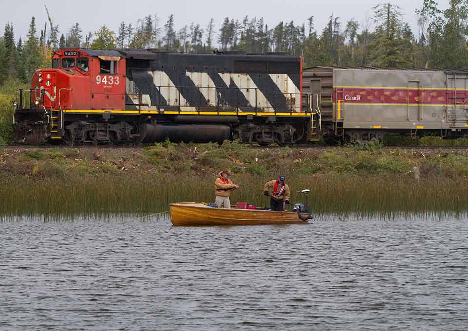 Train in fishing lodges northern ontario for Ontario canada fishing resorts