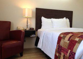 villa-inn-suites-photo-1