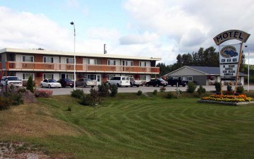 white-river-motel