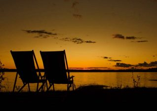 Ivanhoe-Lake_sunsetwithchairs
