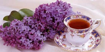 lilac and cup of tea