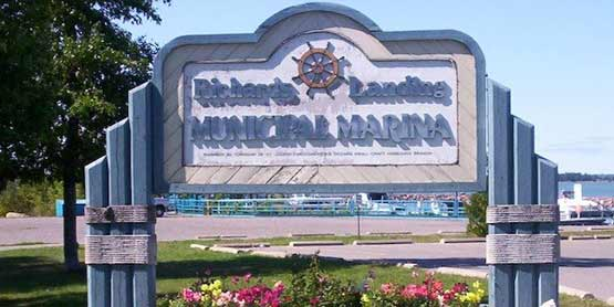 richards landing marina sign