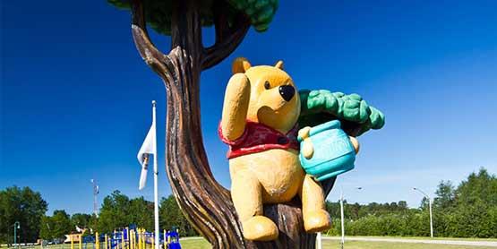 winnie the pooh statue white river