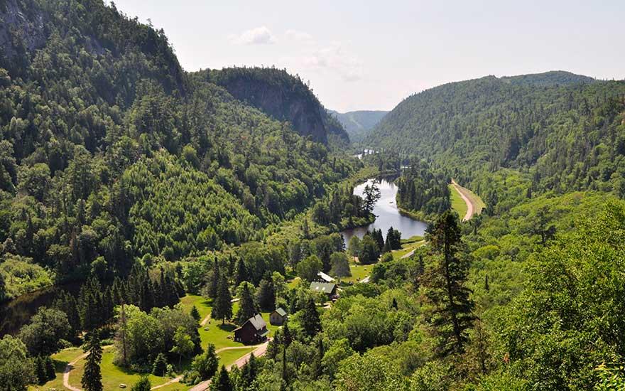 agawa-canyon-tour-train-lookout