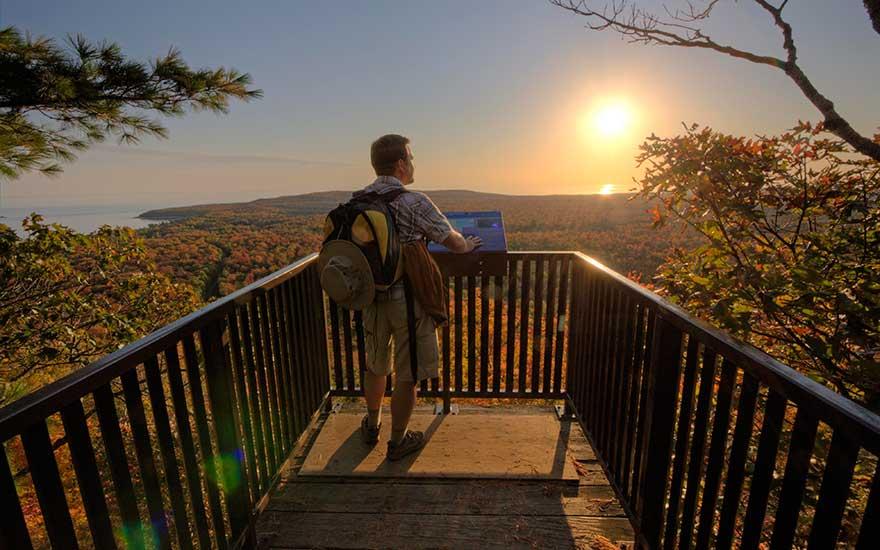 pancake-bay-lookout-trail-ontario-parks