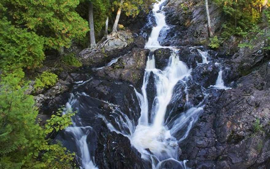 rockisland_naturewaterfall