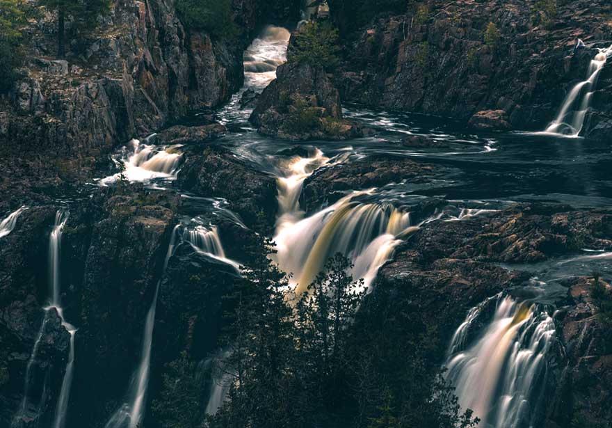 gregsacco_aubreyfalls_pp_falls_scale