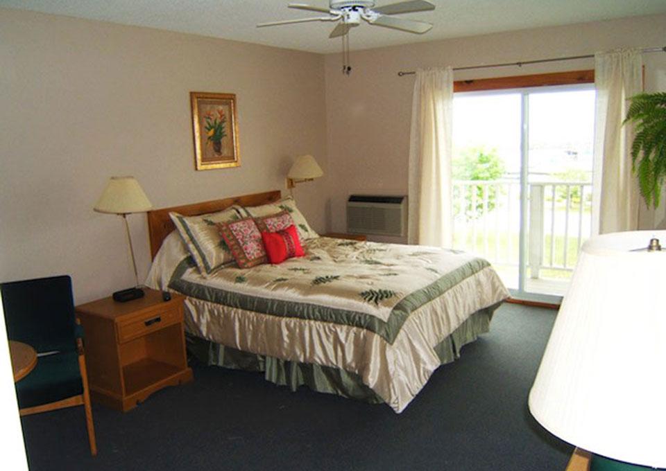 HiltonBeachInn-Room02