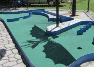 dinosaur-valley-mini-golf-4
