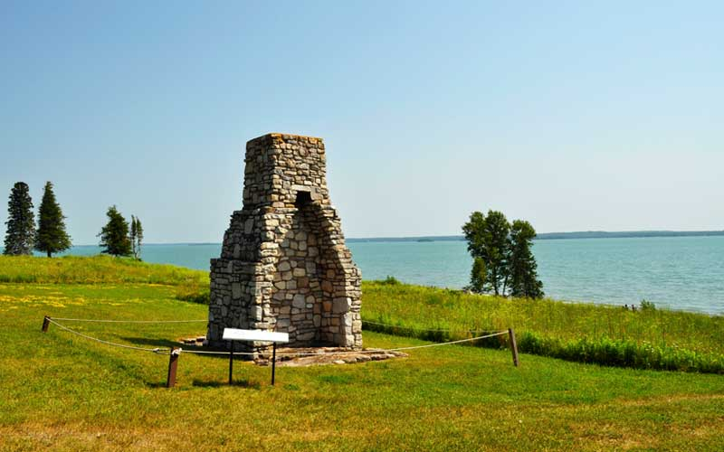 fortstjoseph_chimney