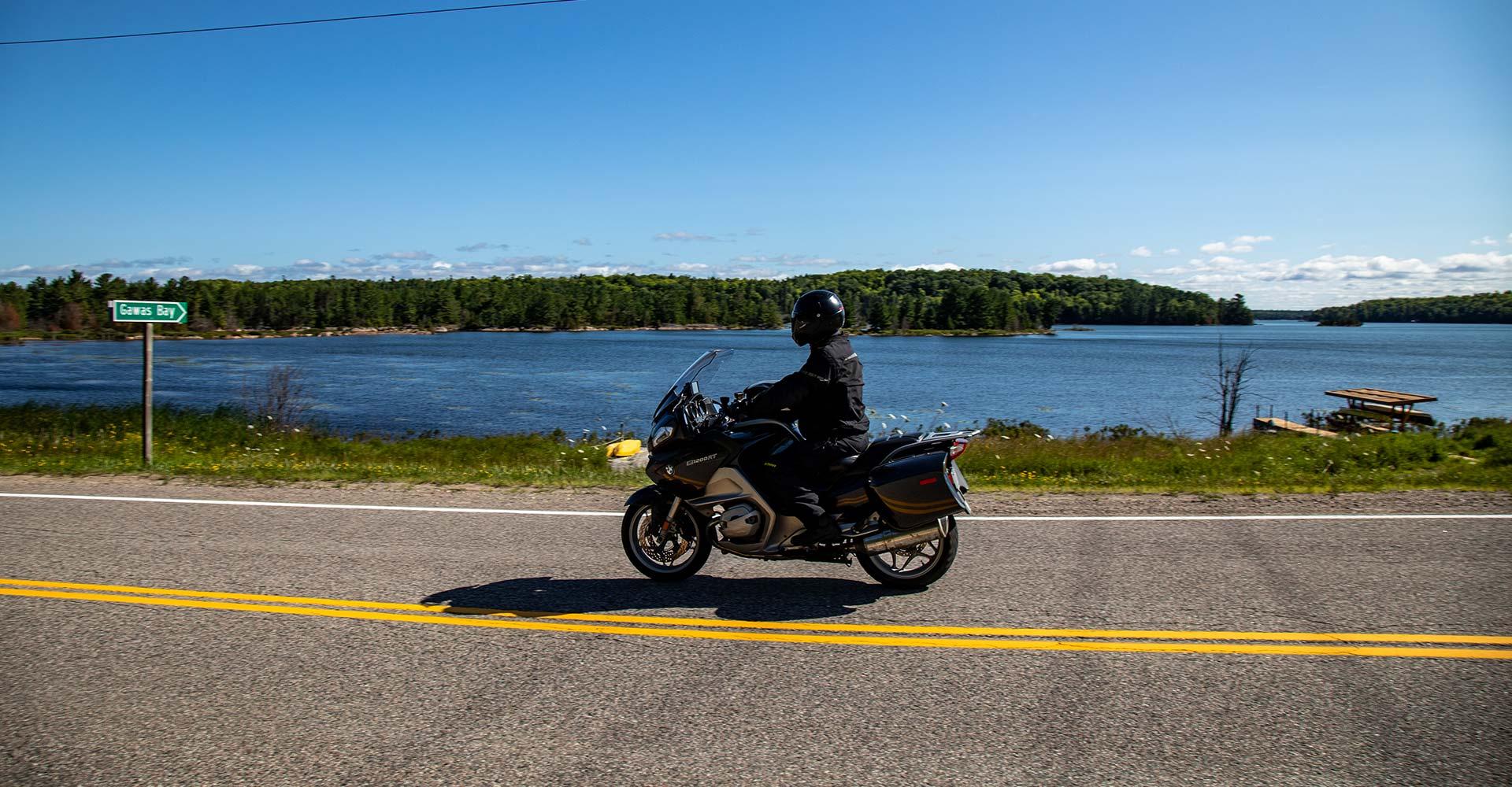 lake-huron-motorcycle-touring
